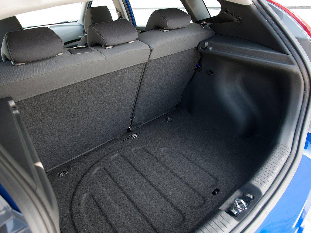 Conoce El Nuevo Dodge Attitude 2012 Llega A M 233 Xico Desde