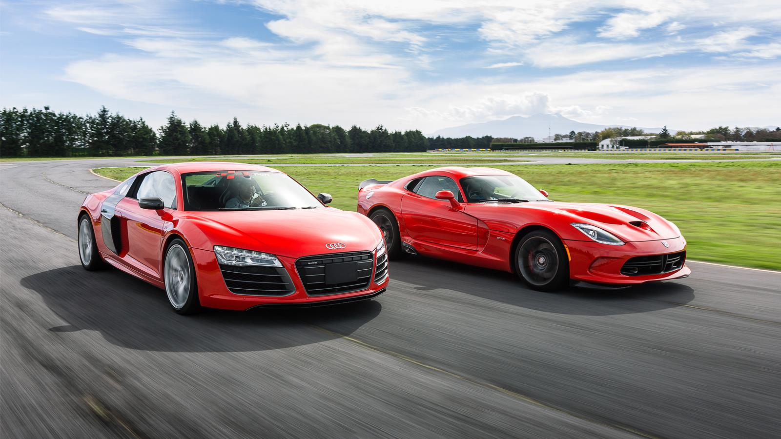 Audi Srt: Comparativa: Audi R8 V10 Plus Vs SRT Viper GTS