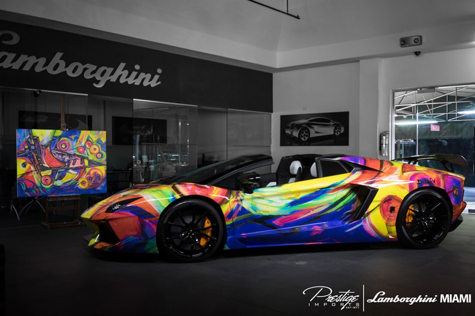 Lamborghini Aventador Art Car Arcoiris Abstracto