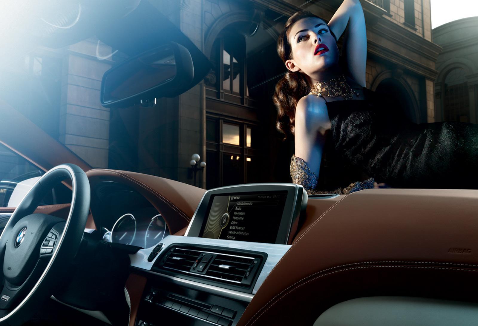 Pin Up Girls En La Industria Automotriz Autocosmos Com