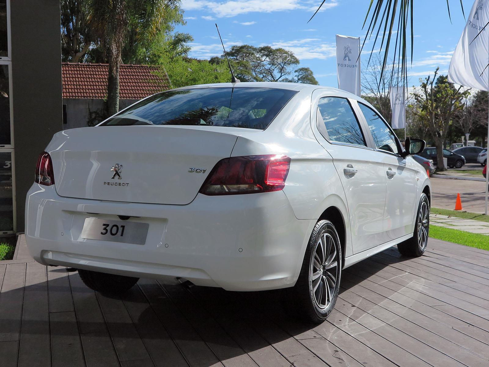 Manejamos el nuevo Peugeot 301 - Autocosmos.com