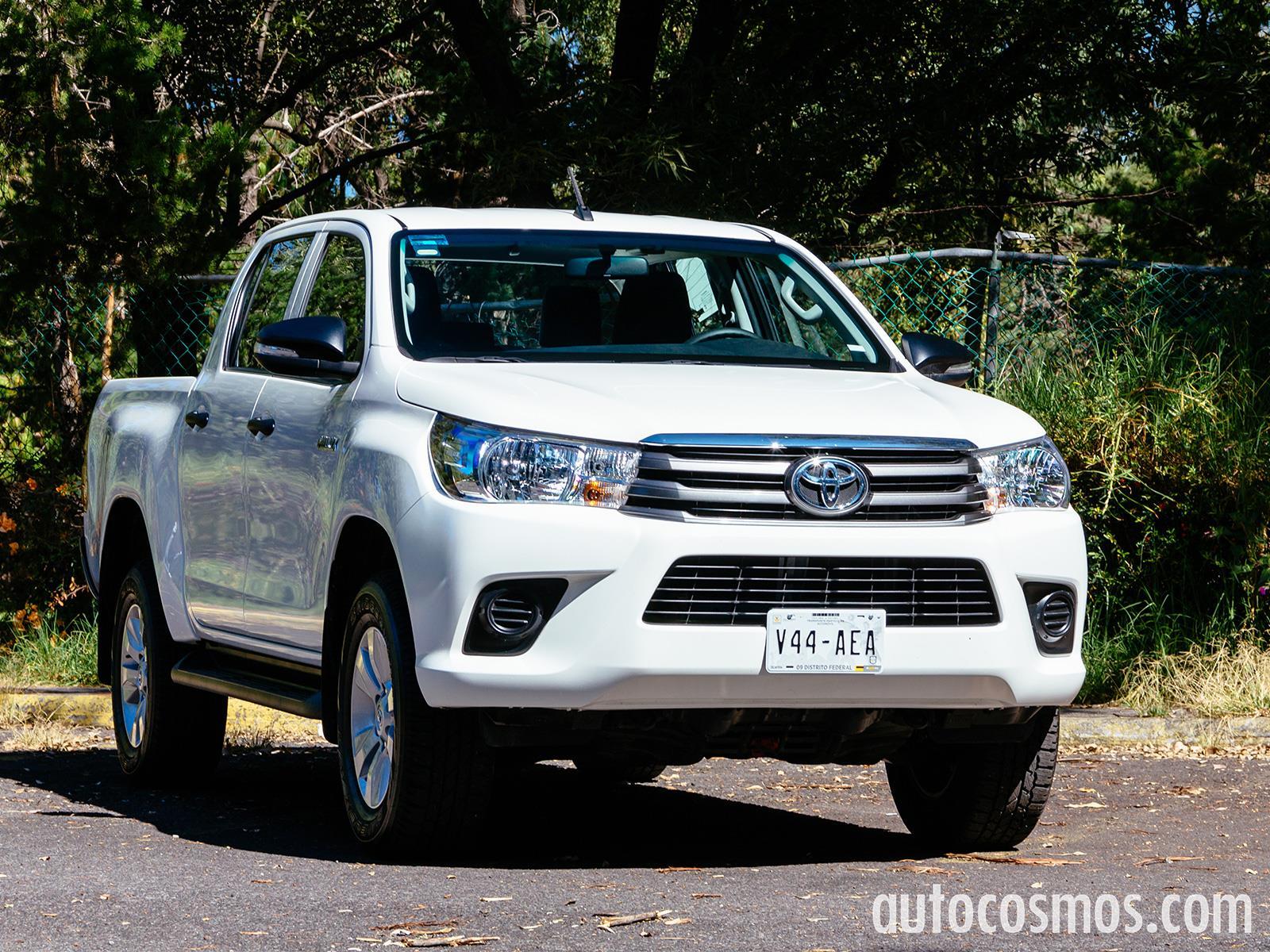 Toyota Hilux 2016 llega a México desde $251,900 pesos - Autocosmos