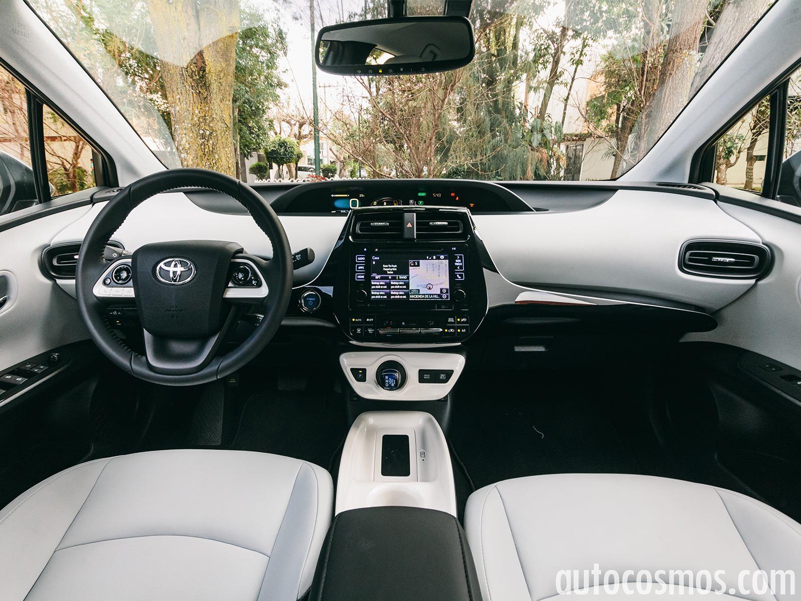 Toyota prius 2016 a prueba for Interiores 2016