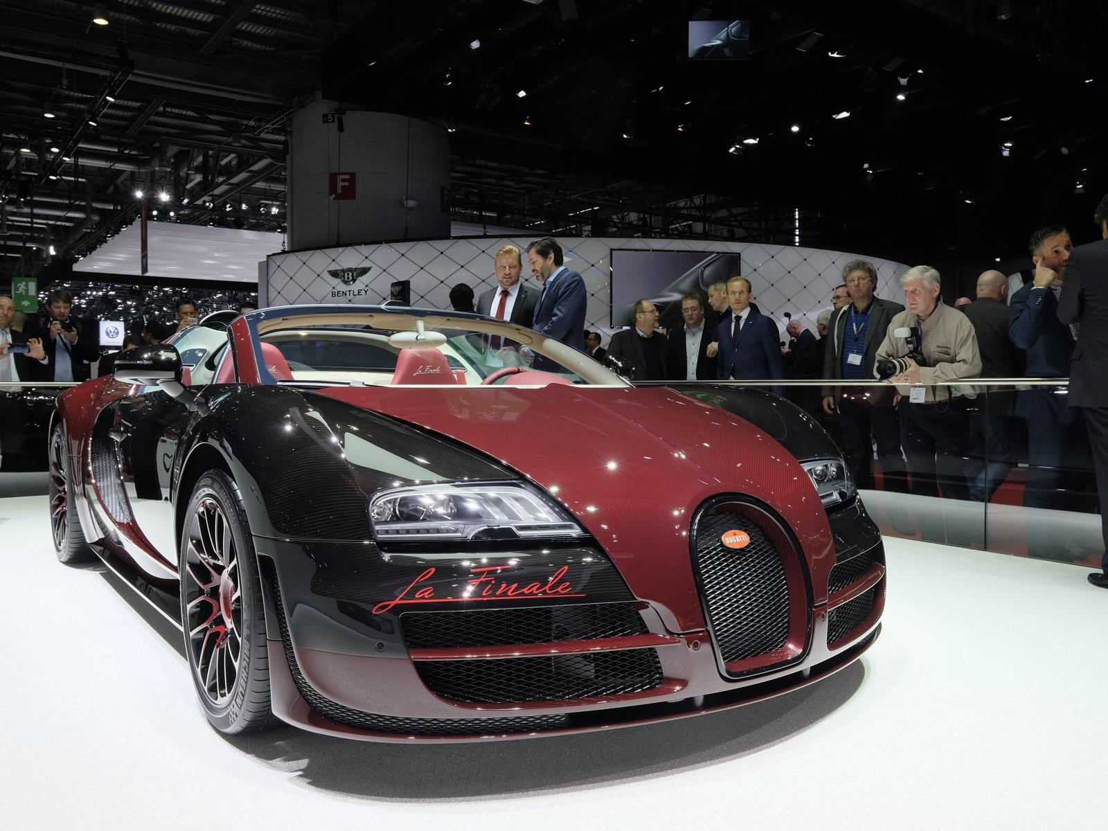 cristiano ronaldo compra un bugatti veyron grand sport. Black Bedroom Furniture Sets. Home Design Ideas