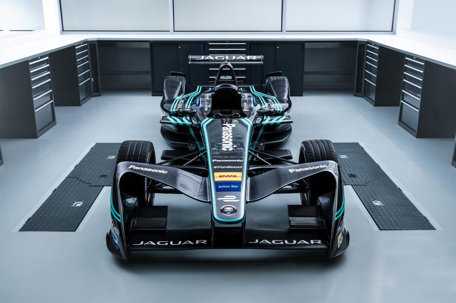 panasonic jaguar racing 2017 formula e. Black Bedroom Furniture Sets. Home Design Ideas
