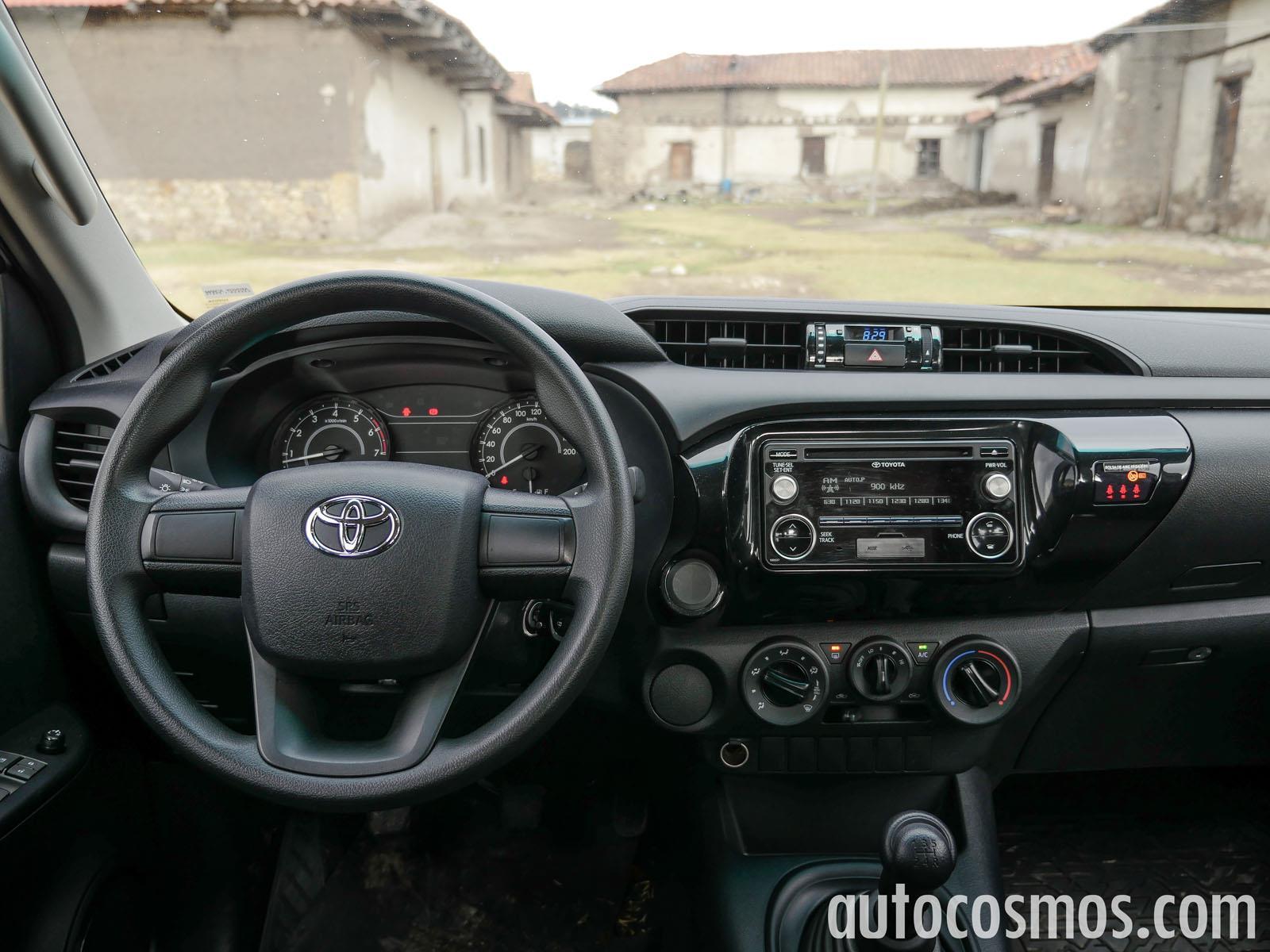 Comparativa: Nissan NP300 vs Toyota Hilux vs Mitsubishi L200 ...