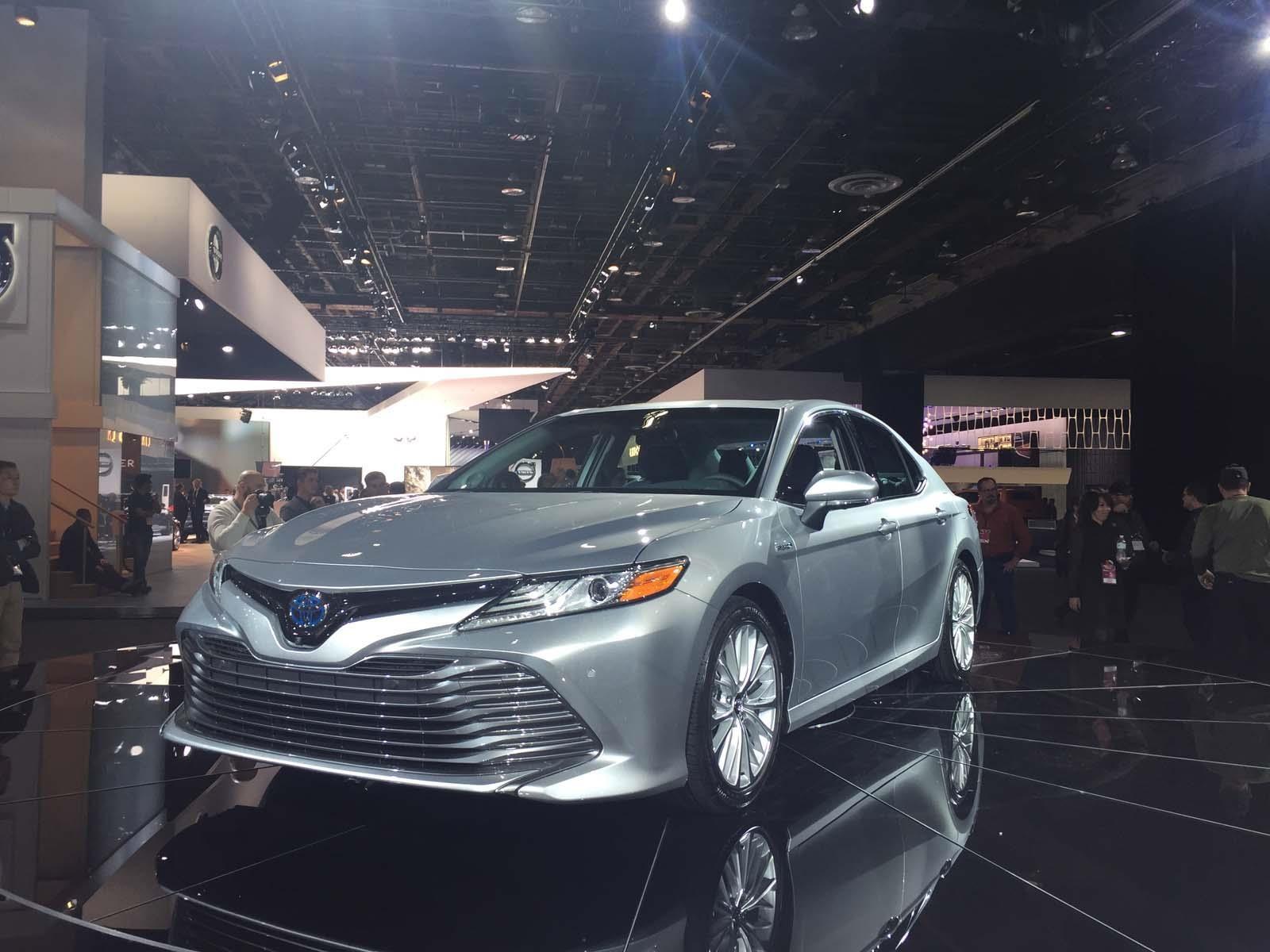 Toyota Camry 2018, el mediano más vendido de EU se renueva - Autocosmos.com
