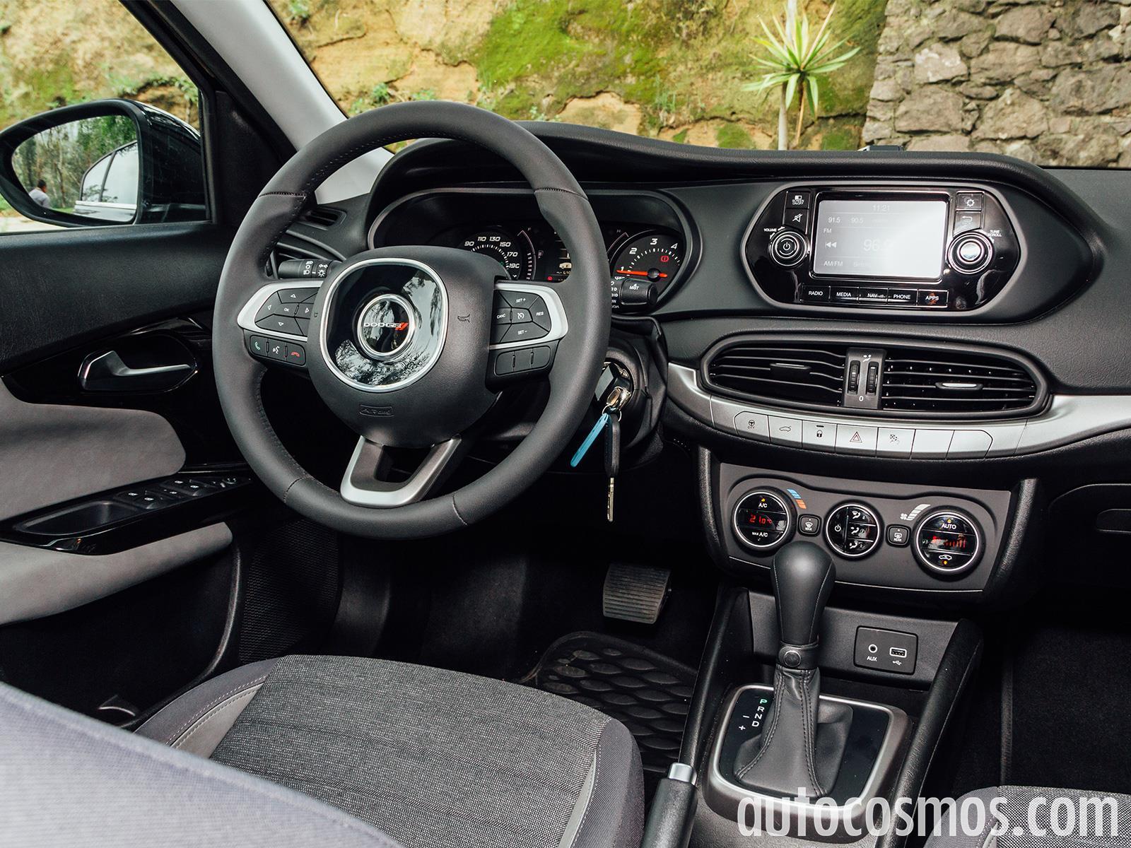 Dodge Neon 2017 a prueba - Autocosmos.com