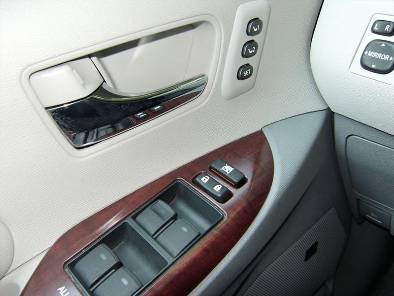 Toyota Sienna Limited 2011 a prueba