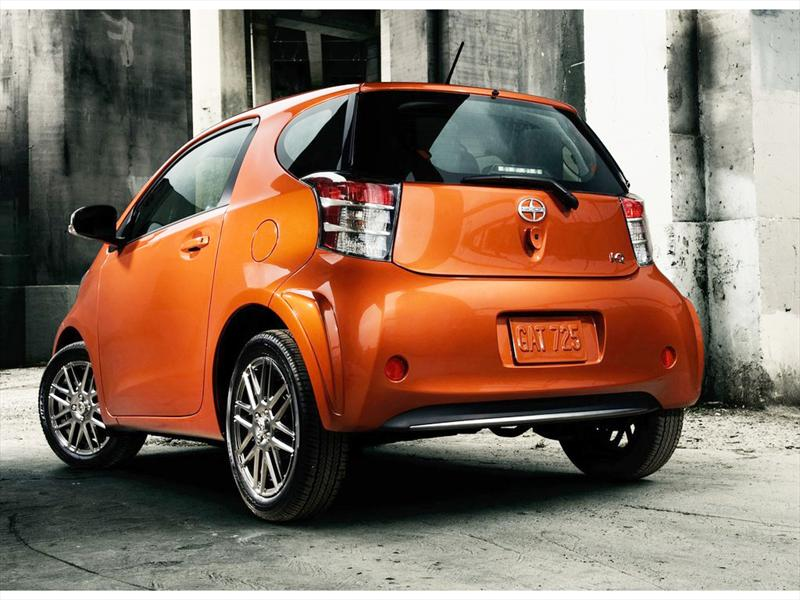 Toyota - Scion iQ