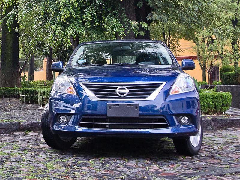 Nissan Versa 2012 prueba