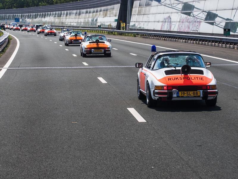 Porsche rinde homenaje a la Rijkspolitie