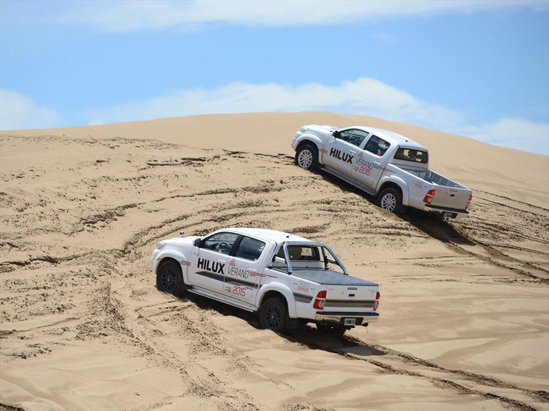 Clínica Toyota de manejo en los médanos