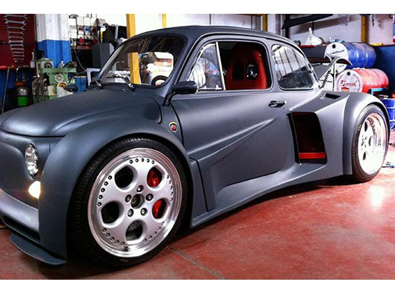 FIAT 500 con un V12 de Lamborghini