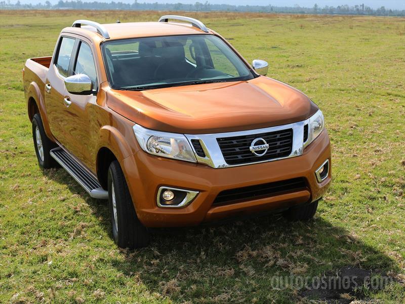 Nissan NP300 Frontier 2016 - Autocosmos.com