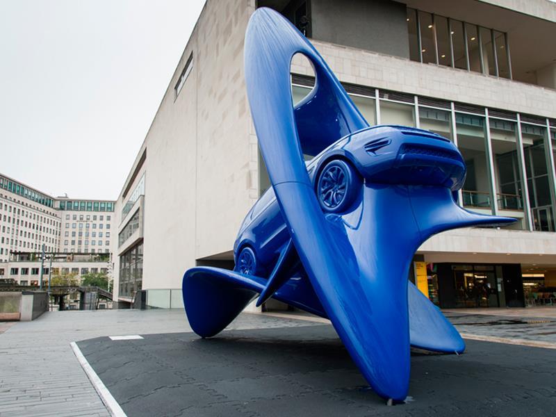 Esculturas Unstoppable Spirit por Land Rover
