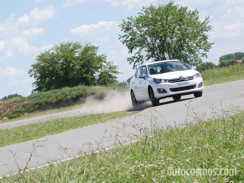 Citroën C4 Lounge S en pista
