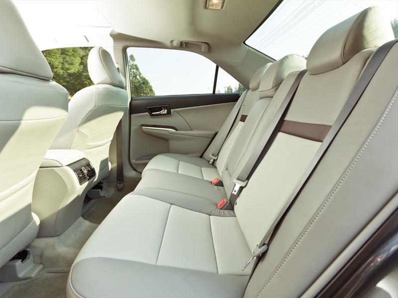 Toyota Camry XLE V6 2012