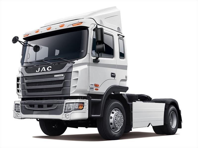 JAC Camiones - Lander 3262 y Cruiser 4181