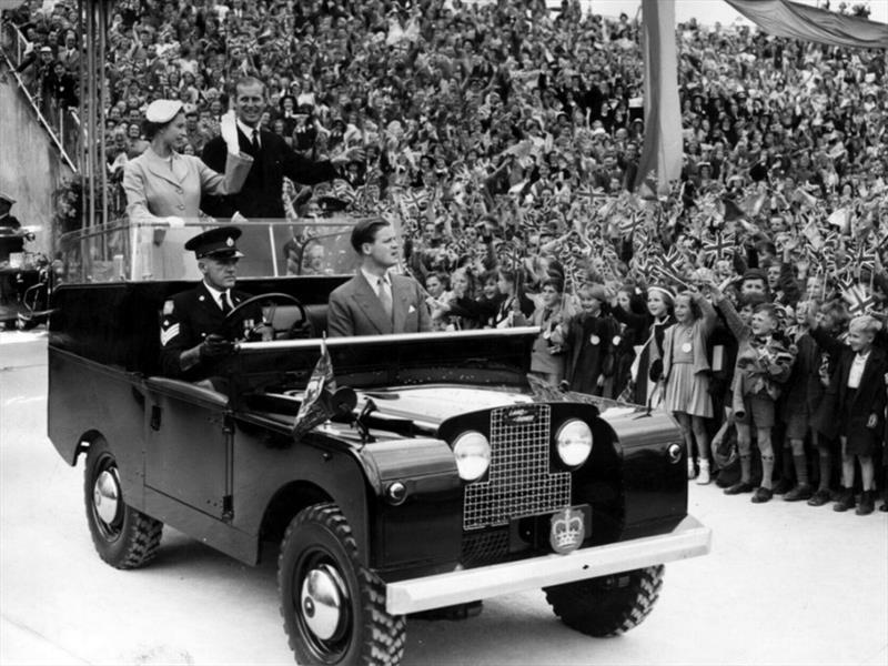 Land Rover y la reina de Isabel II