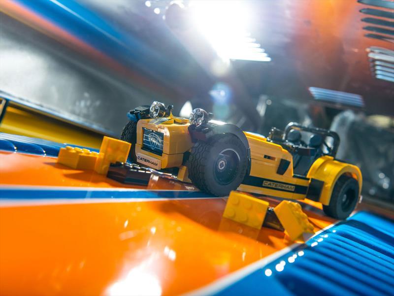 Caterham 620R de Lego