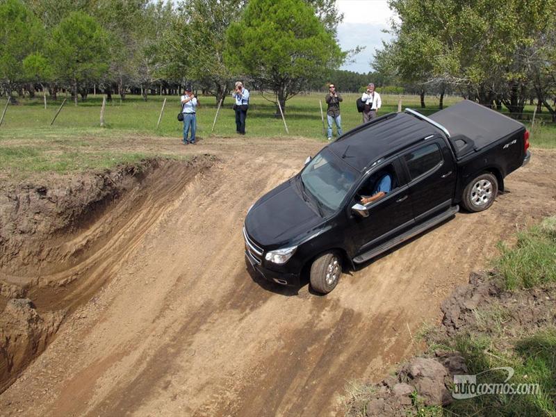Contacto Chevrolet nueva S10 2012 Parte 1