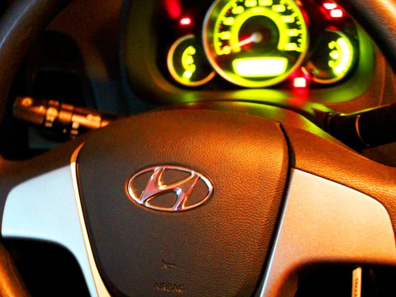 Hyundai EON 0,8L GLS Prueba de manejo