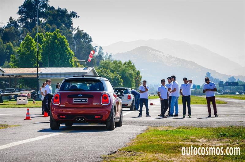 Mini Driving Experience 2016
