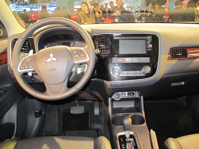 Mitsubishi Outlander 2014 en el Salón de LA