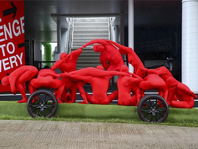 Esculturas humanas de Honda