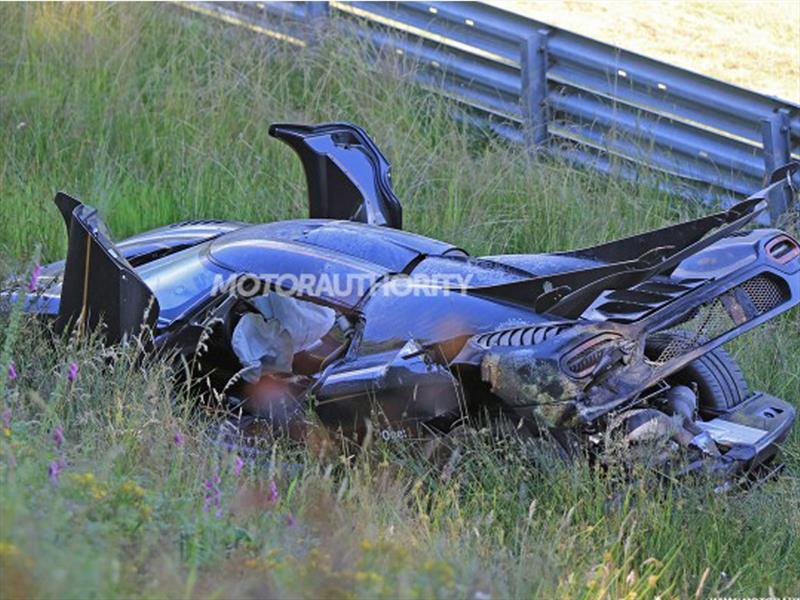 Koenigsegg One:1 destriudo en el Infierno Verde