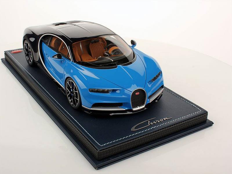 Bugatti Chiron escala 1:18