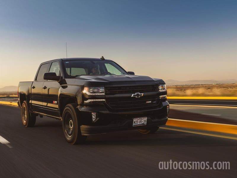 Chevrolet Cheyenne Midnight Edition 2017