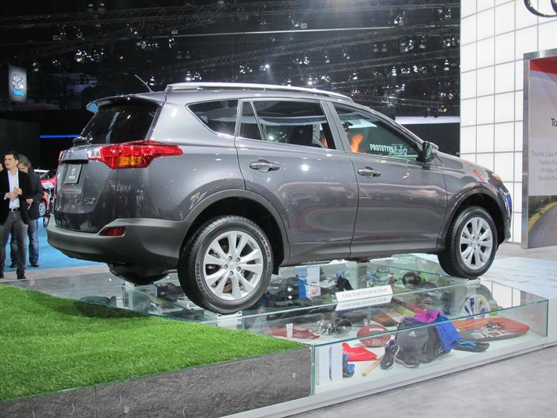 Toyota RAV4 2013 en el Salón de Los Ángeles