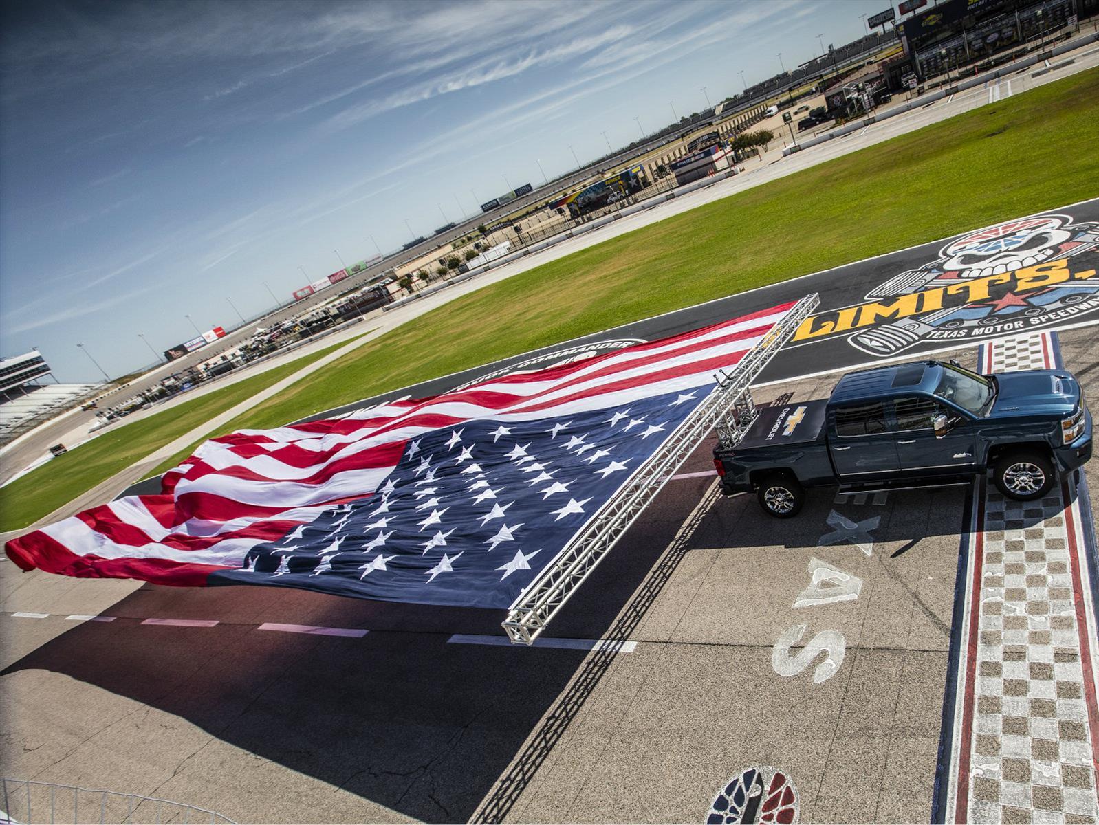 Chevrolet Silverado Heavy Duty 2017 impone nuevo Récord Guinness