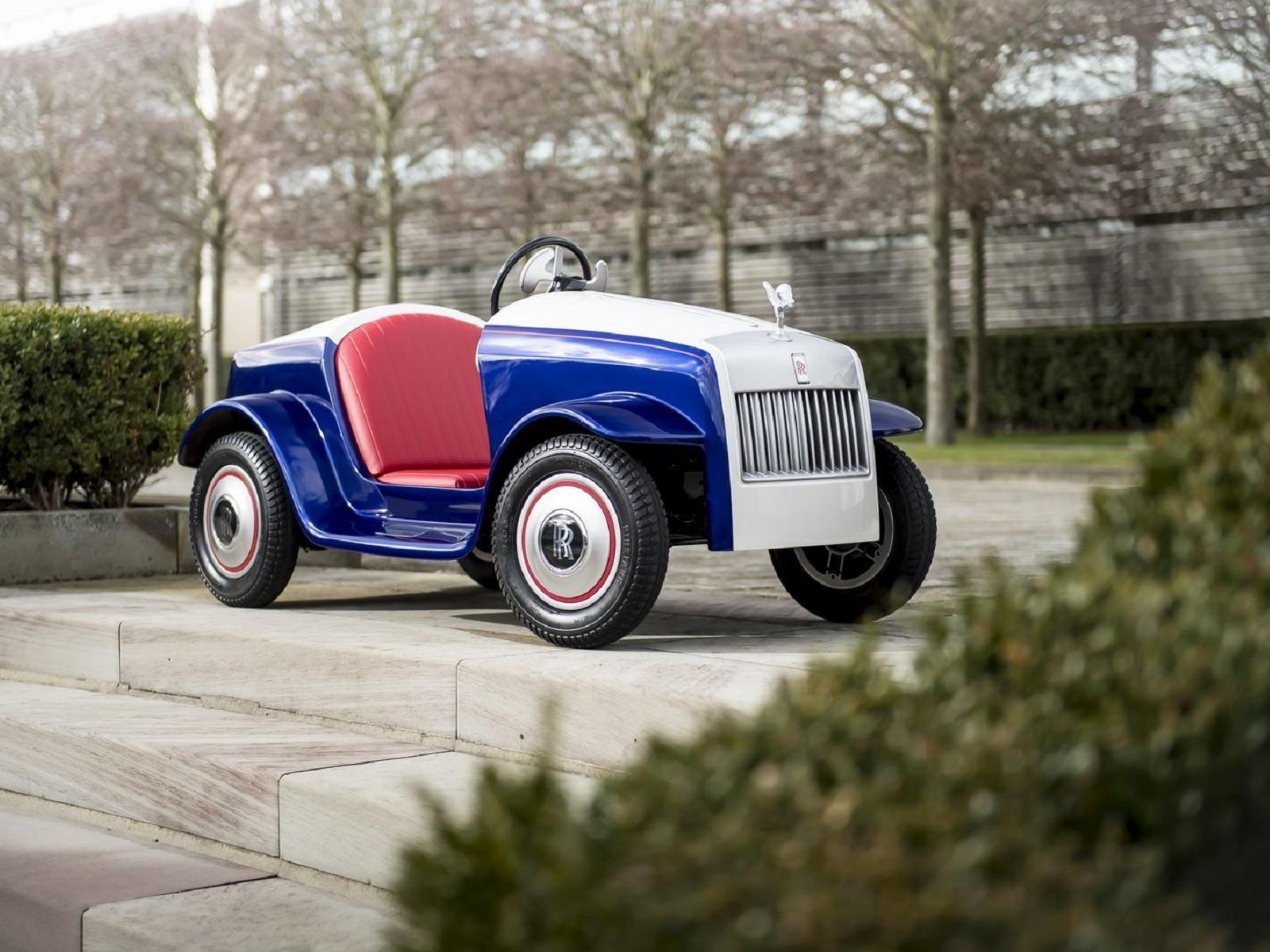 SRH Rolls-Royce, el carro eléctrico para ir a cirugía