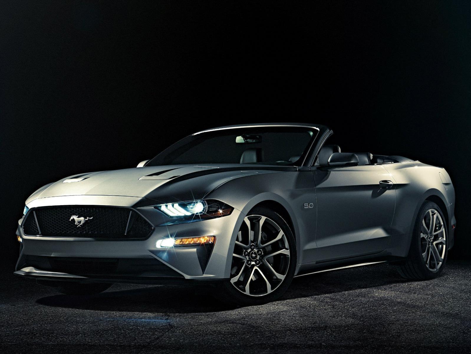 Ford Mustang Convertible 2018, ¡corre como el viento tiro al blanco!