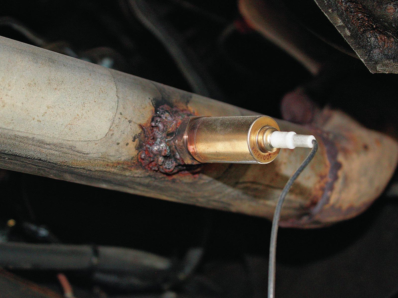 ¿Cómo trabaja el sensor de oxígeno en un auto?
