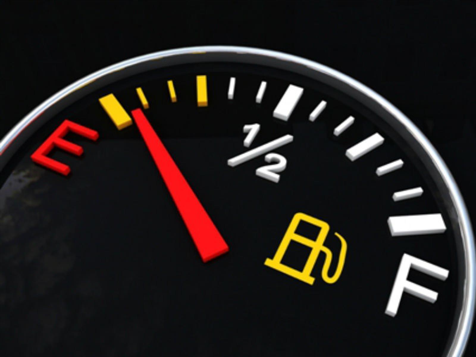8 errores que hacen que tu auto gaste más combustible