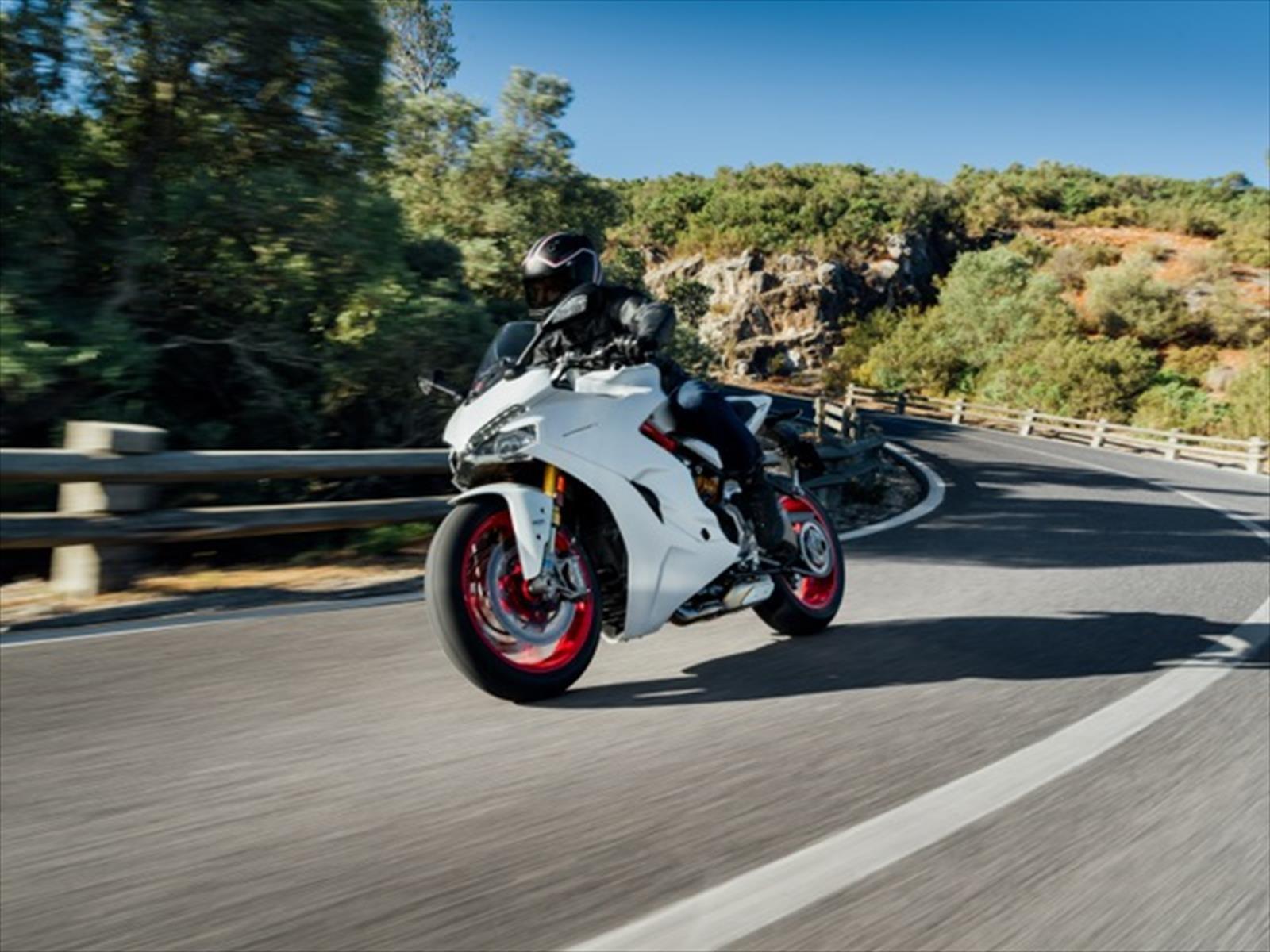 Ducati Supersport S, una moto muy deportiva que no deja de ser versátil