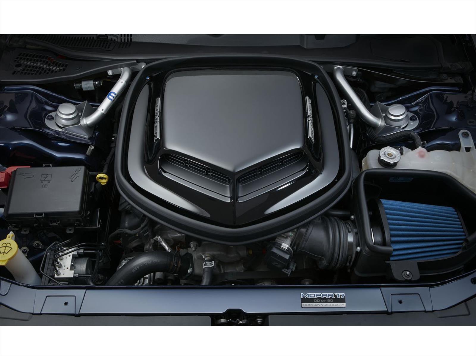 Mopar Dodge Challenger 2017, celebrando el 80 aniversario
