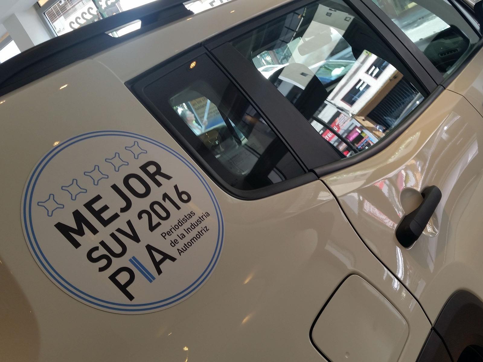Jeep reconoce a los premios PIA