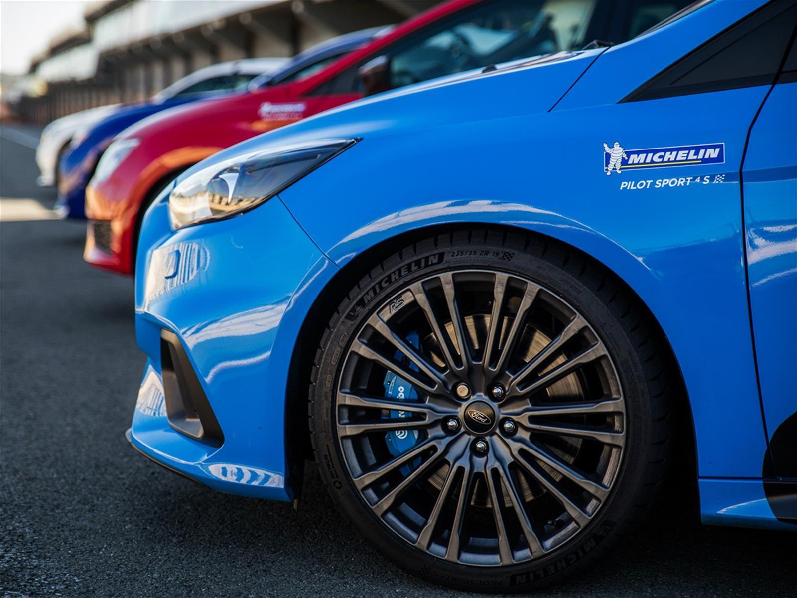 Michelin Pilot Sport 4 S, agarre estelar en seco y mojado