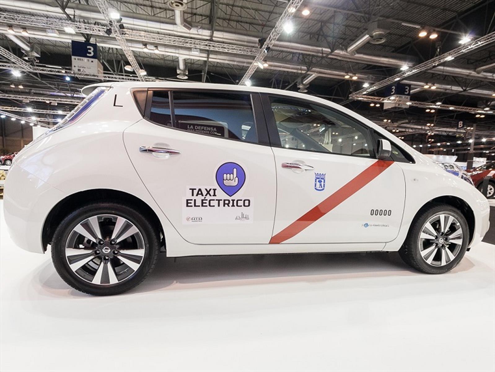 El nuevo Nissan LEAF trabaja de taxi en Madrid