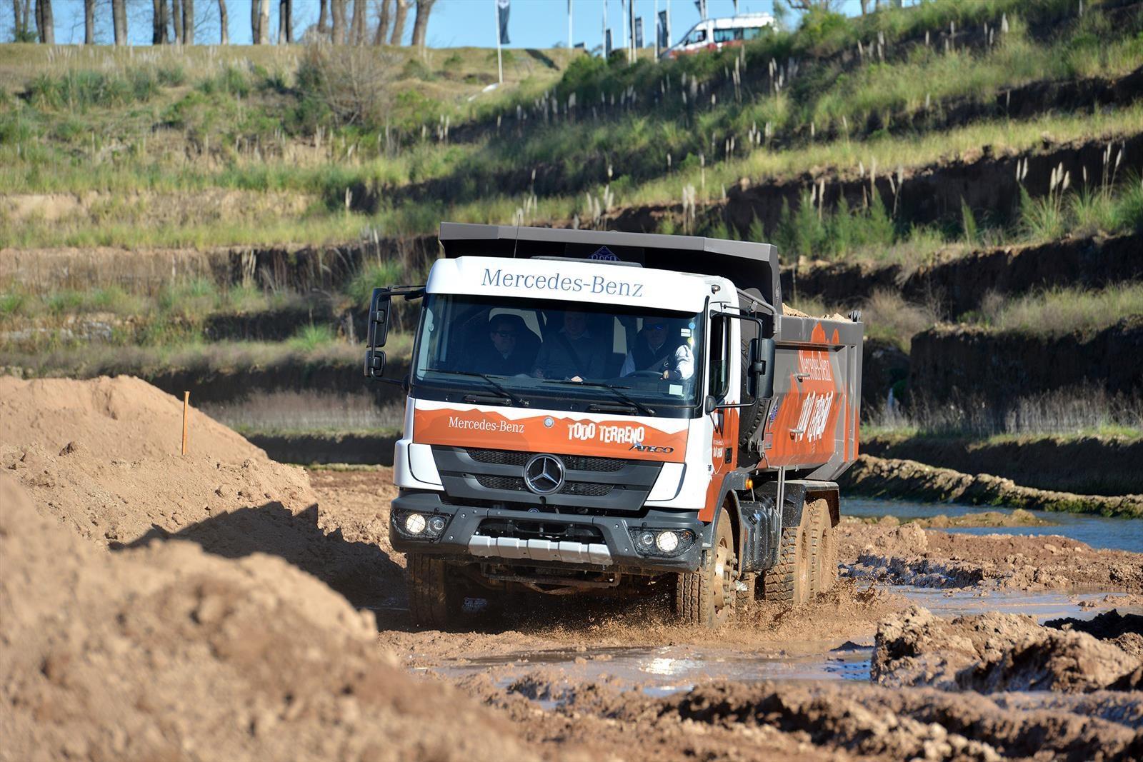 Mercedes-Benz presenta sus camiones todoterreno