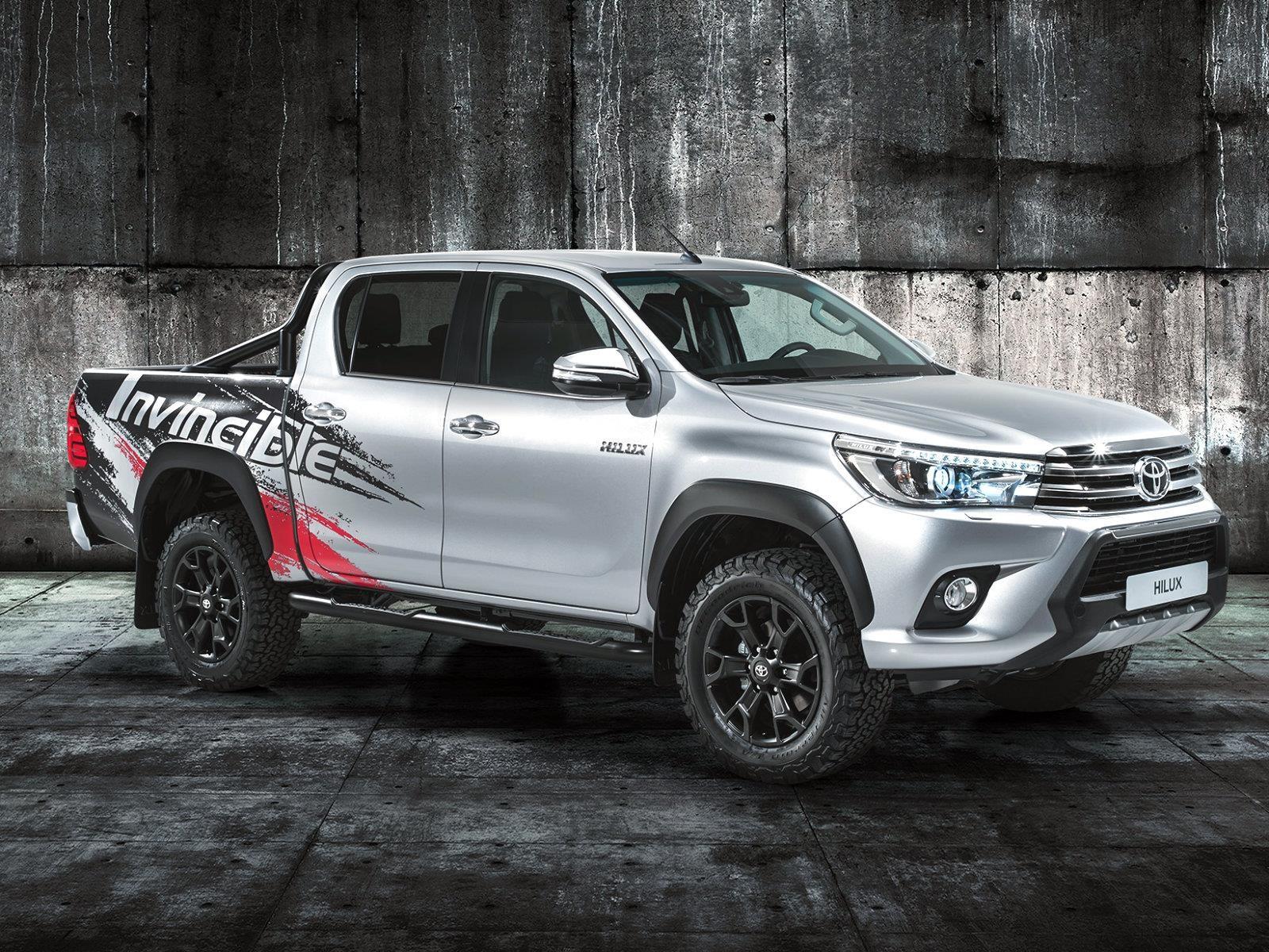 Toyota Hilux Invincible 50 debuta