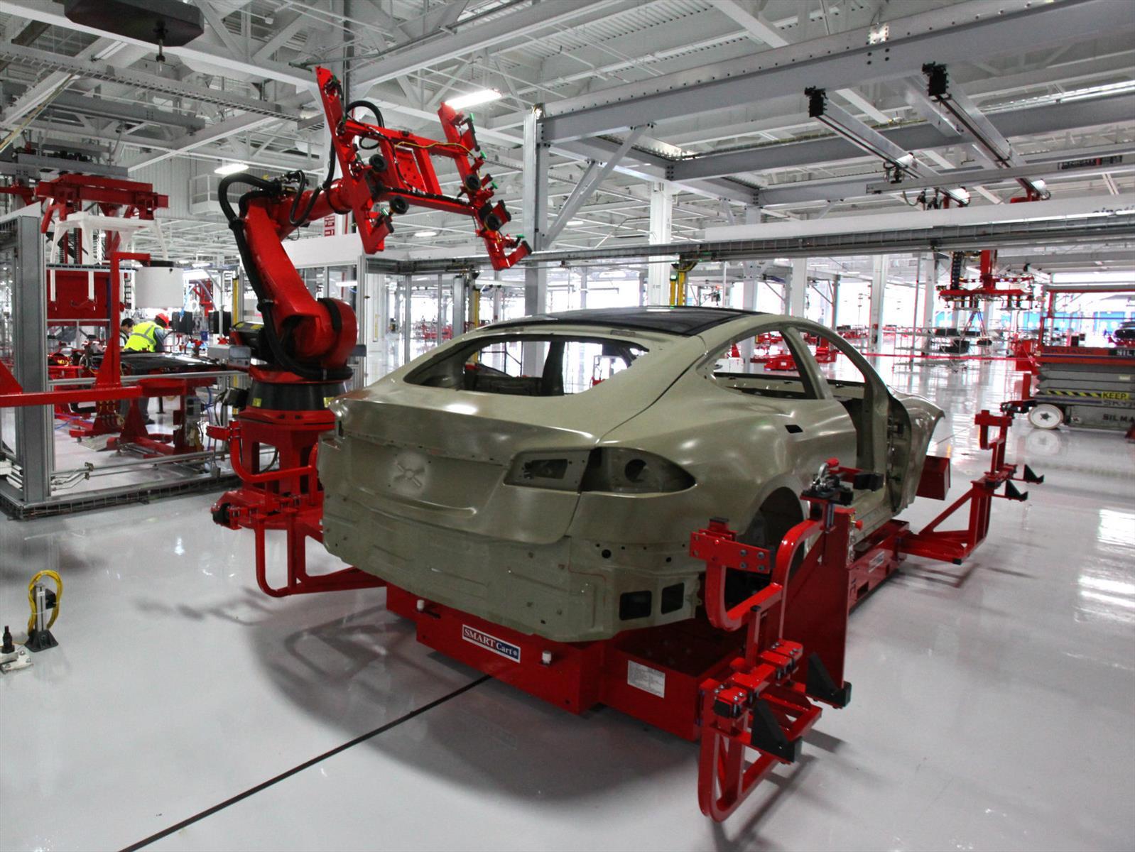 Tesla duplicará su producción en la planta de California