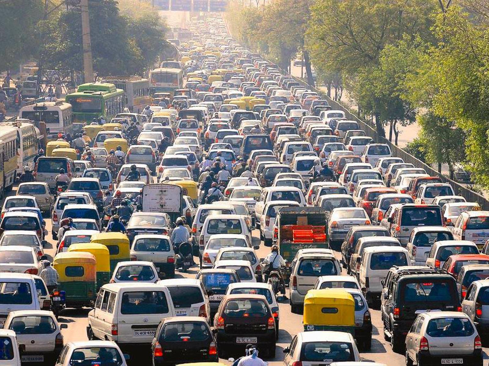 India quiere vender exclusivamente autos eléctricos