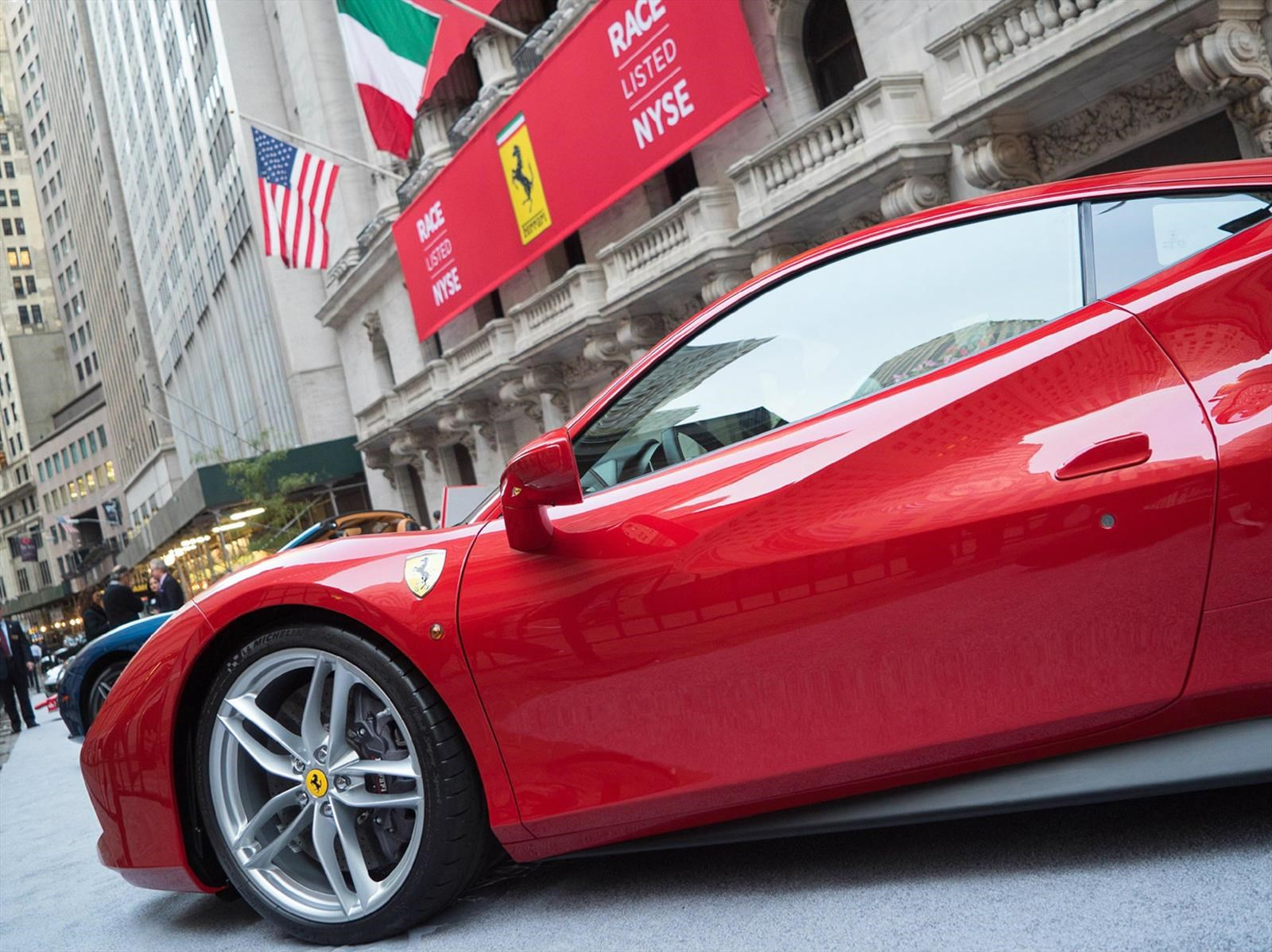 Ferrari vendió más de 8 mil autos en 2016