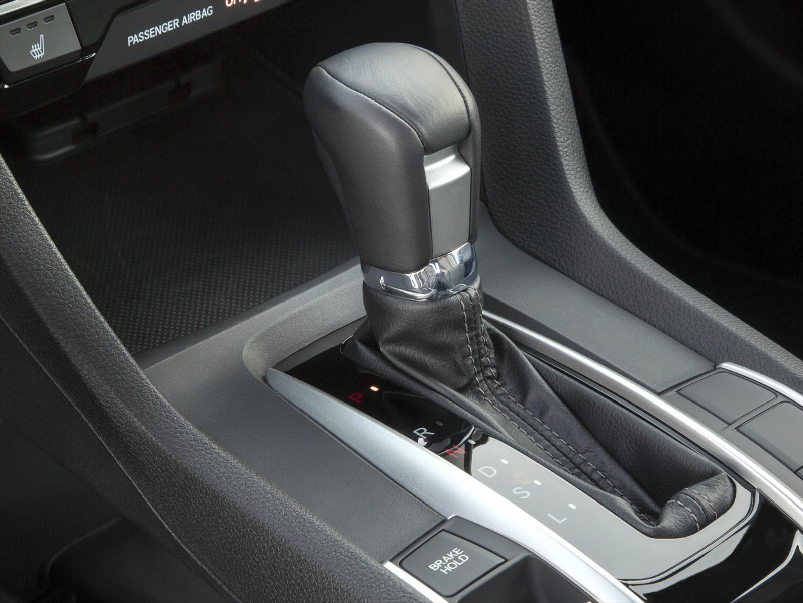 Honda patenta una caja de 11 cambios y tres embragues